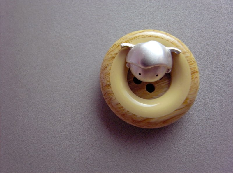 小辮子--娃娃頭純銀耳環--(1款是單1個喔!)