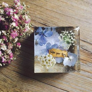 Dried flowers with Handwriting Decoration / Paper weight / Wipe your tears