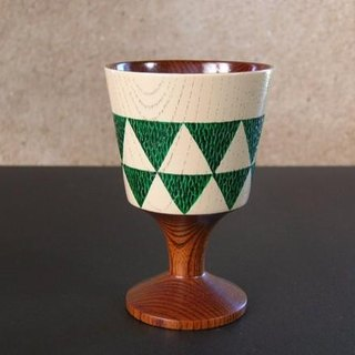 Goblet / fish-scale pattern · Green