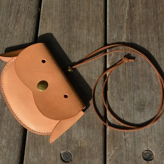 【kuo's artwork】 Hand stitched leather coin purse