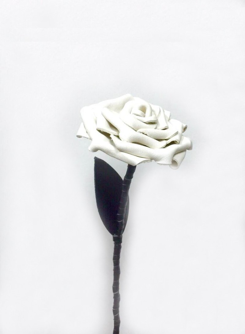 Leather beige roses Off-White Leather Rose