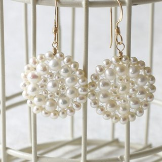 Pierce - romantic earrings of freshwater pearl and 14KGF / LacePr01