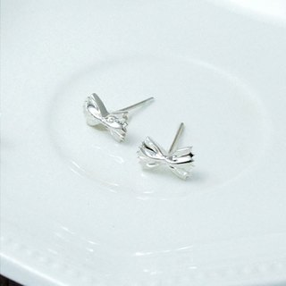 Butterfly face sterling silver (one pair)