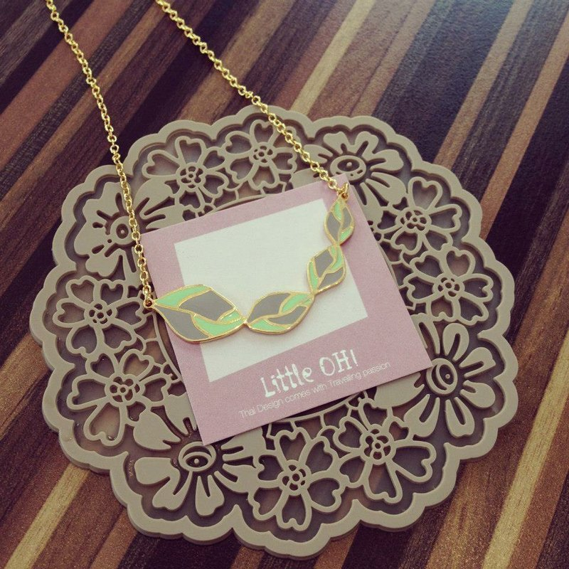 Pink green leaf hand-made style necklace