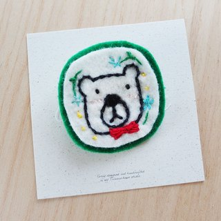 Cha mimi. Hand embroidery Love embroidery -! X polar bear pin