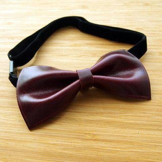 Handmade burgundy vegetable tanned leather bow tie