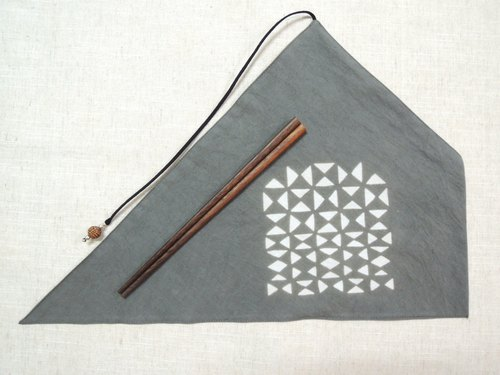 Mumu [vegetation] Terminalia leaf vegetable dyes stained dark gray green triangle sets of chopsticks (Quilted paragraph)