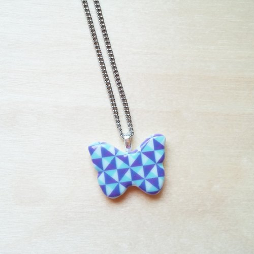 Purple triangle pattern ceramic butterfly short necklace