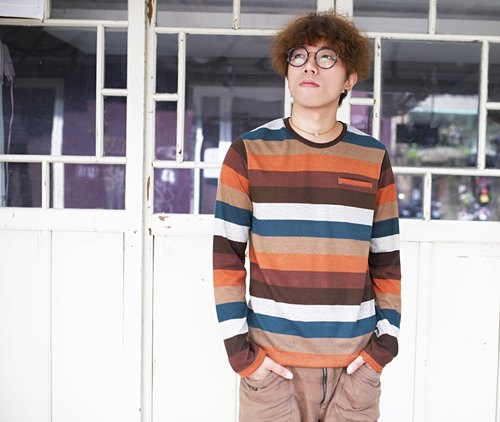 OMAKE colorful striped long-sleeved T-SHIRT