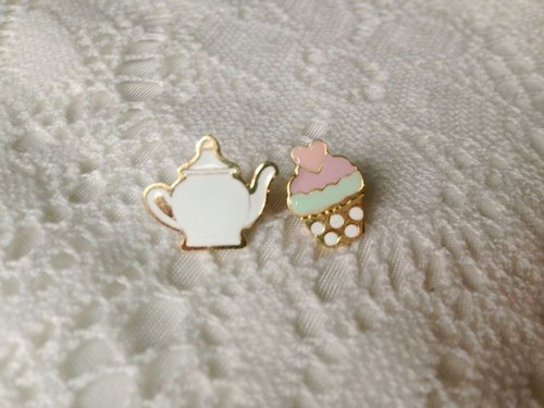 CutFing - Tea Time Earrings