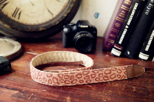 [Listing Limited time special celebration breakthrough 1000] iviego13 camera strap - leopard