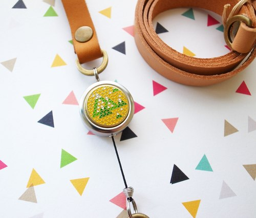 Aoyama. Xiaoyue, multi-function retractable badge