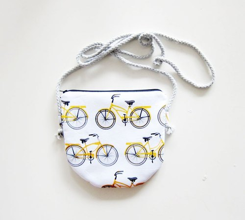 Semi-slung zipper bag / purse bike (also choose other purse fabric patterns)