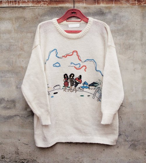 Beach walks knit sweater - dislocation vintage -
