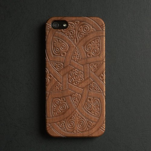 Real wood engraved iPhone 6 / 6 Plus case S014