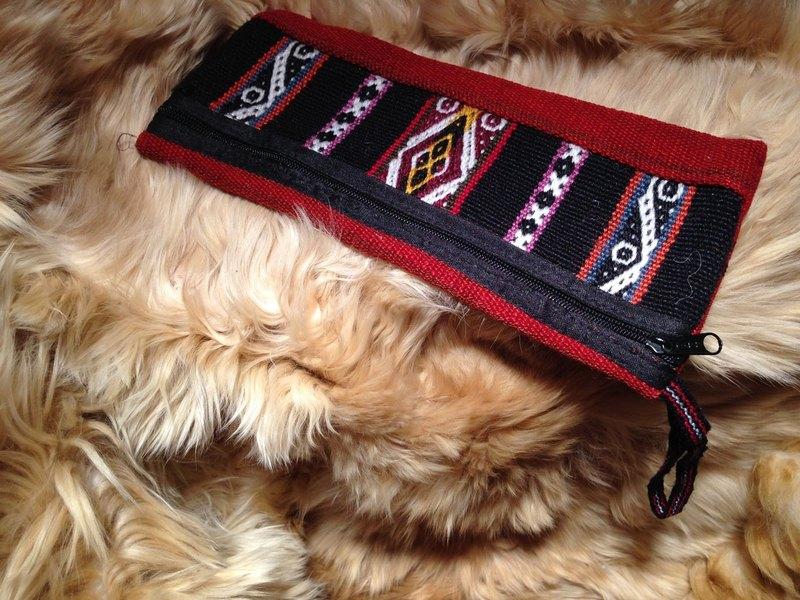 羊駝毛多彩祕魯織紋長包-暗紅