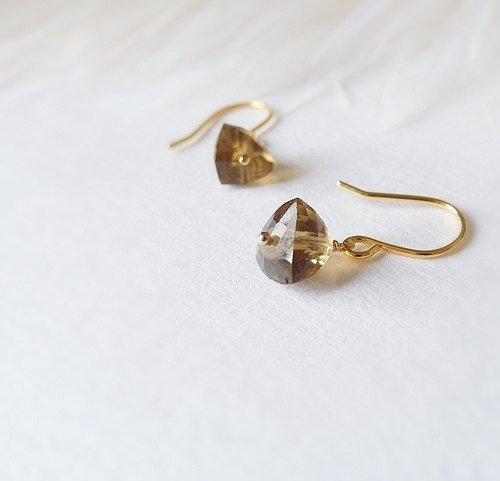 | Touch of moonlight | triangulated irregular mini natural citrine 14k gold earrings