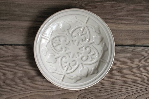 Retro brick flower bump plate