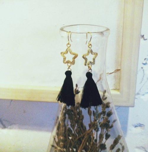 Marygo ﹝ line ﹞ basket empty star tassel earrings black gold stars