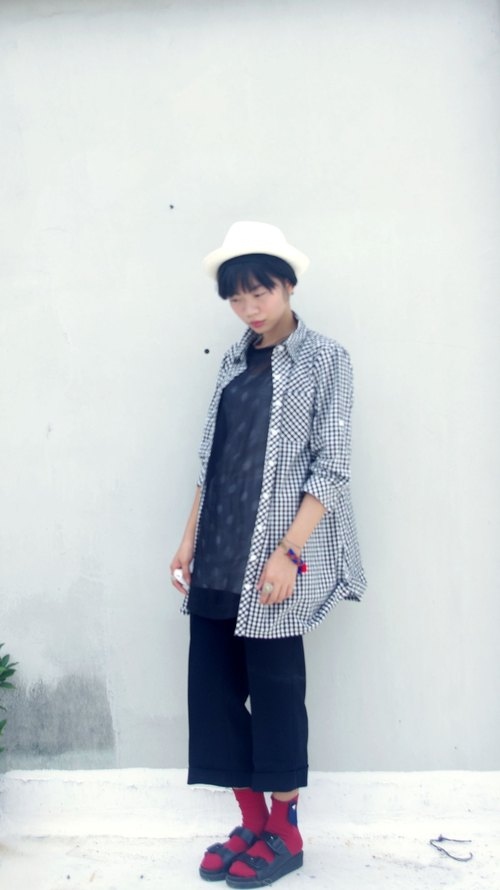4.5studio- Japanese specialty shops Kanghui - red and black Plaid Long Shirt