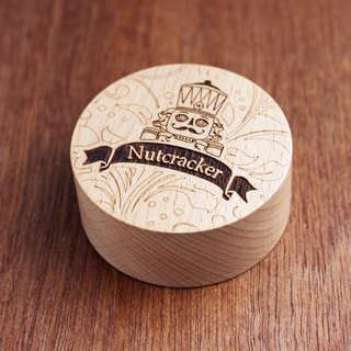 Knocking wood - nutcracker wood music box