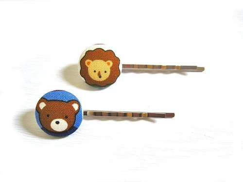 Hand-made cloth buttons hairpin Bear & amp; Lions
