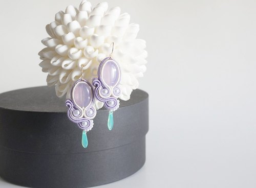"""DNA"" 14KGF Earrings-010 / Lavender & White"