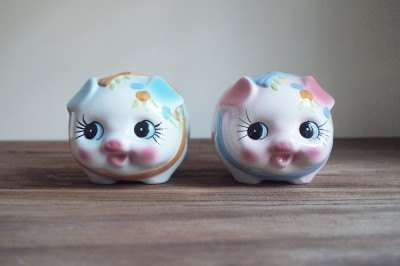Yingge hand-painted ceramic piggy piggy bank, baby blue