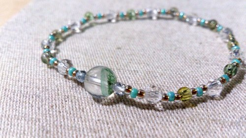 crystal in dearsharka || dotdot. Net through the small round through the green tourmaline crystal x green x white ghost