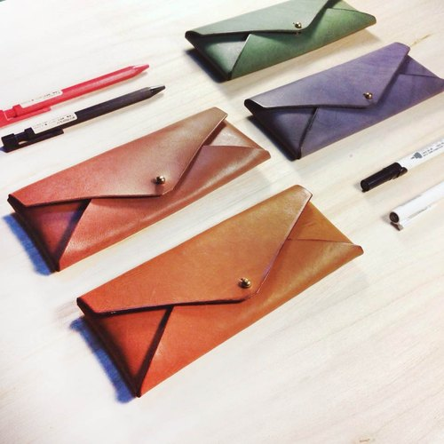 Play Pibang _ vegetable-tanned real leather handmade pencil case. Pencil / four-color