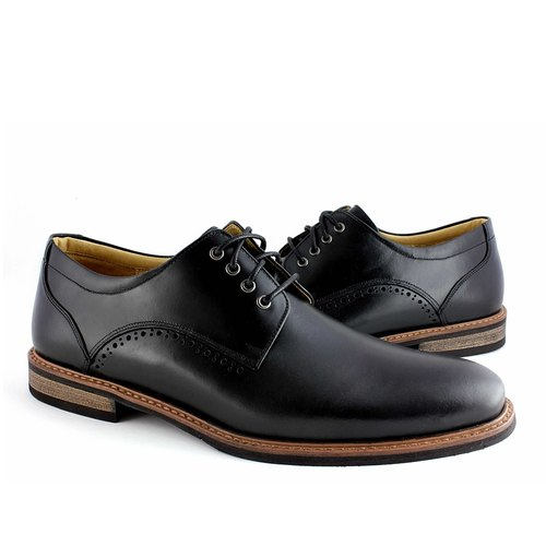 Hau Temple yield simple carved leather shoes plain black derby