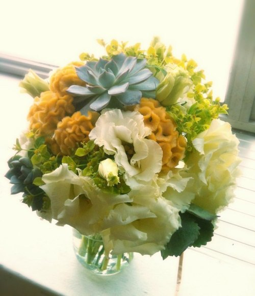 Yellow-green color, fleshy bridal bouquets