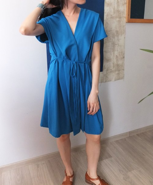 Turkey blue V-neck wrap dress (also open when smock)
