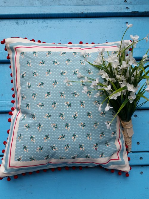 Europe and the United States style dark red hair ball blue flowers pillow / pillows