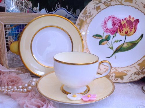 ♥ ♥ Annie crazy Antiquities British system bone china Wedgwood 1910 年 goose yellow gold hand-painted coffee cup flower cup three groups -