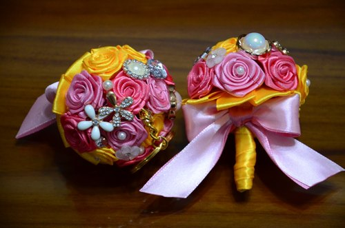 CAmelliaT camellia jewelry bouquet keychain cat * [French macarons paragraph] * was * sisters small wedding ceremony