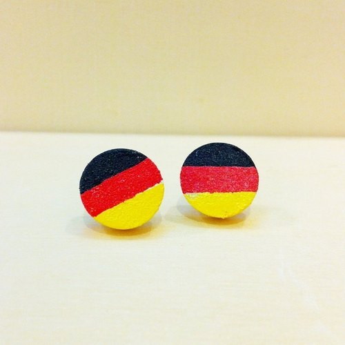 Painted wood ear acupuncture - German flag