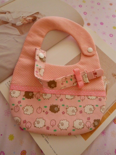 Another on bleating births two groups bibs + pacifier clip