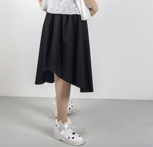 Irregular black cotton skirt - imakokoni