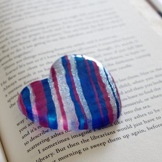 Minimalist Sapphire Blue Stripes Art Glass Heart Paper Weight Decoration