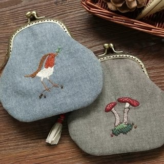 Retro bird mushrooms hand embroidery bag mouth gold coin bag purse