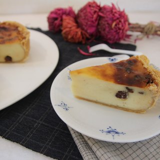 Three-quarters of French dessert [Hand Lamb French tart grapes Flan]