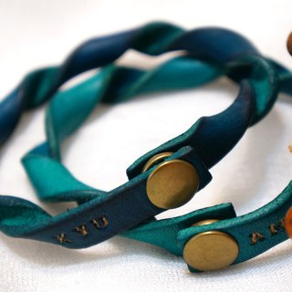 Spiral leather bracelet / 2 in