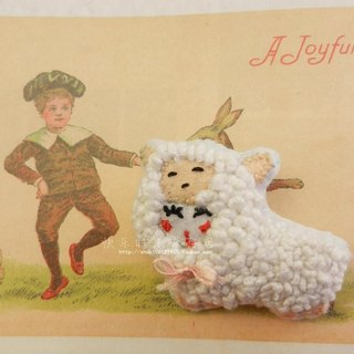 Original · domiss Brooch embroidered two-headed lamb baa run
