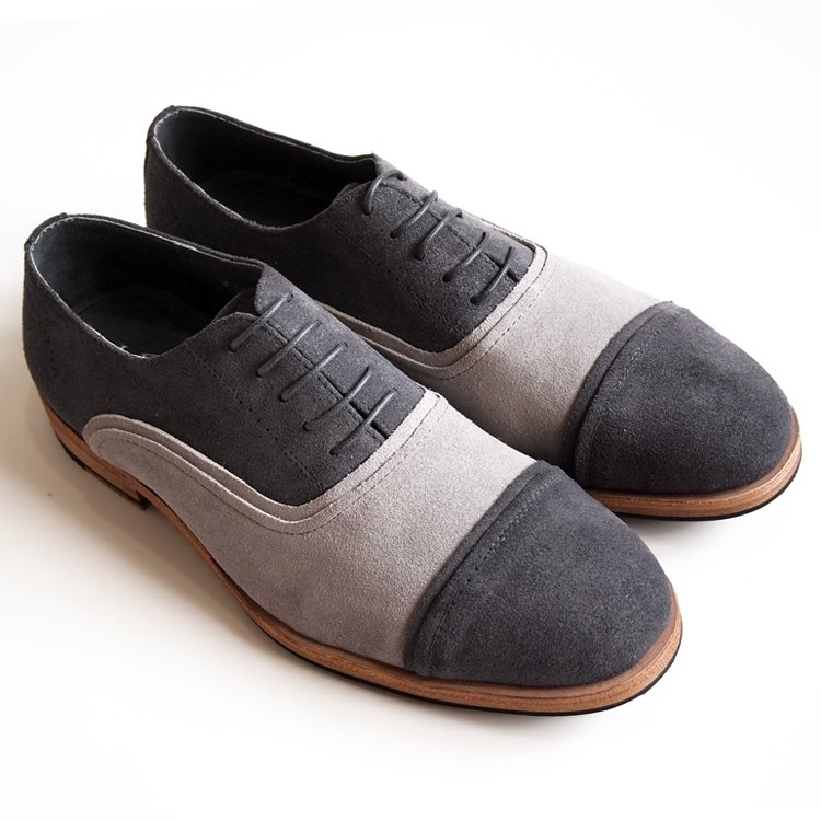 [LMdH]D1A08-89 Hand-finished cap-toe suede oxfords in deep grey.