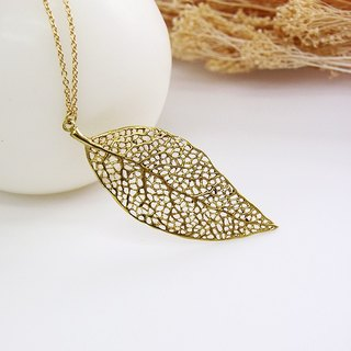 Golden Nature Leaf Charm / Woman Jewelry Necklace / Vintage Style Brass Pendant Accessories