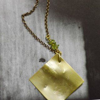 monolog_3。Brass Necklace