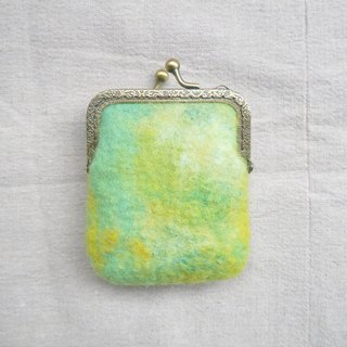 <Mori into the series - light shone from the slit tree> green mixed woven wool felt mouth gold package
