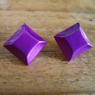 Time Travel【vintage handmade earrings:Purple diamond】