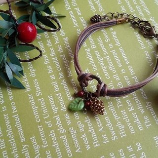 Paris. Handmade happiness. ZAKKA. Pine cones and fruit. Pearl wax line bracelet. Christmas Gifts